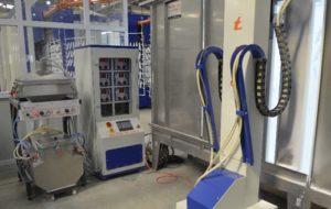 Автоматическая камера напыления с манипуляторами